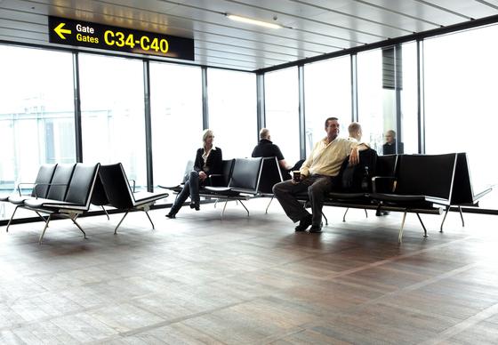 CH402 by Carl Hansen & Søn
