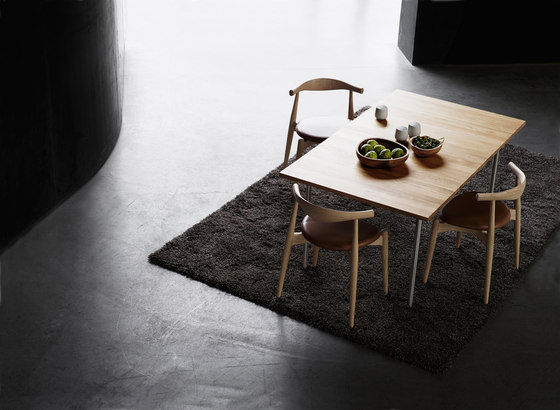 CH20 Elbow Chair by Carl Hansen & Søn