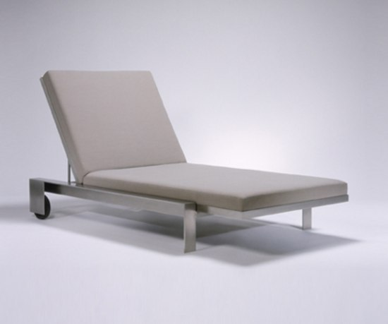 Indoor/Outddor Group Chaise Lounge by Marmol Radziner Furniture