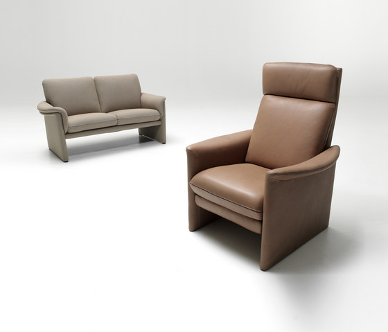 Zento high back armchair by COR