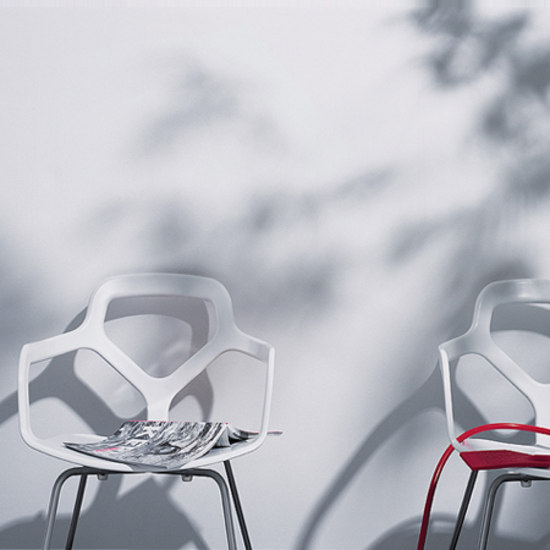 Trace chair by Desalto