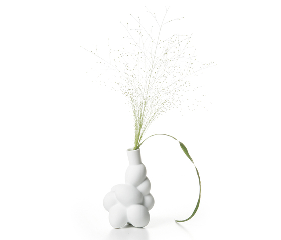 egg vase medium by moooi