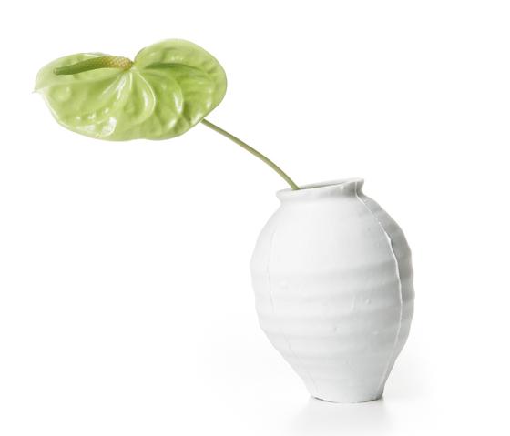 ming vase by moooi