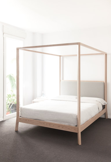 Breda Bed by Punt Mobles