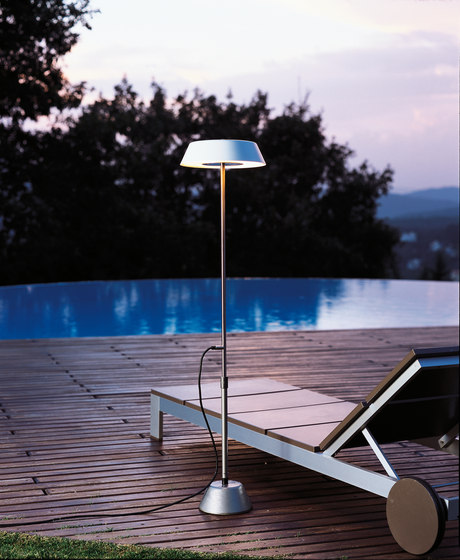 Zola gr Floor lamp by Metalarte