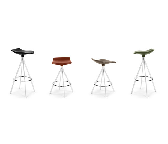 Gimlet stool by Mobles 114
