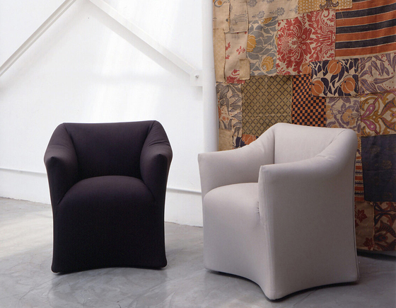 684 by Cassina