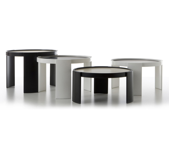 780/783 by Cassina