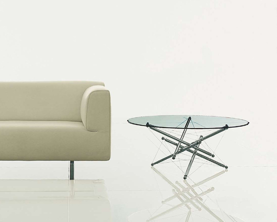 714 by Cassina