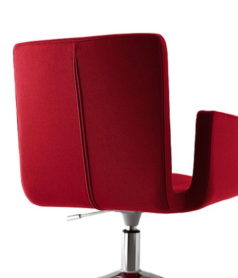 Mantis Swivel chair by Kristalia
