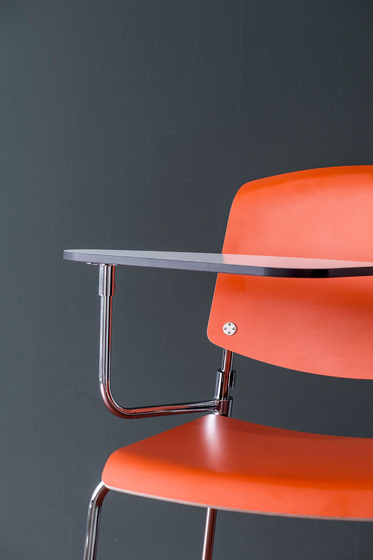 Pause Runner chair by Magnus Olesen