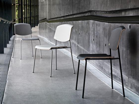 Pause Tisch von Magnus Olesen