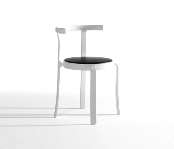 8000-Serie table de Magnus Olesen