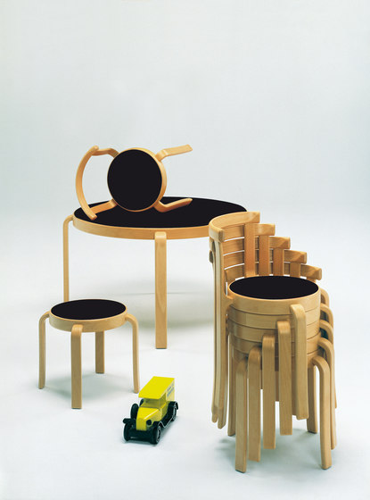 8000-Serie Children chair di Magnus Olesen