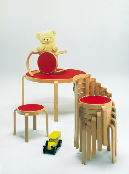8000-Serie Children chair by Magnus Olesen