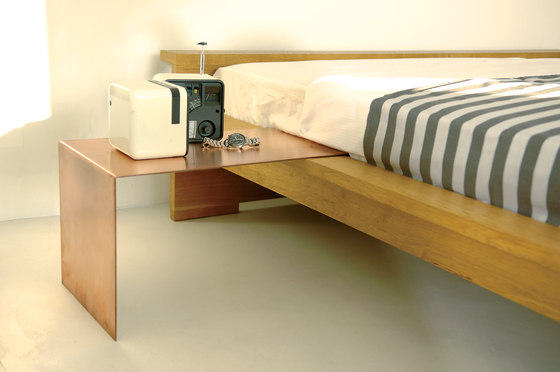 Moonwalker solid wood bed de Lampert