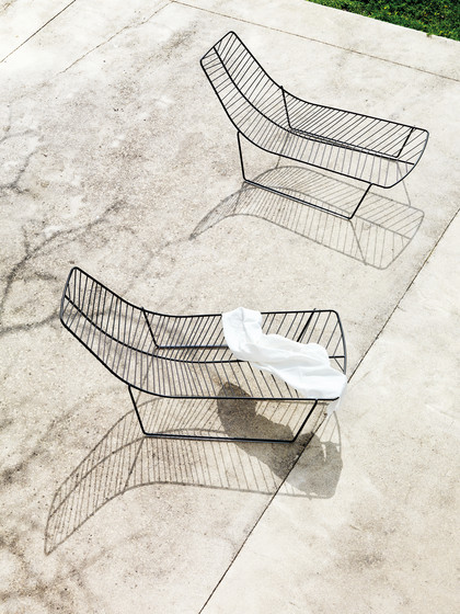Leaf | Table by Arper