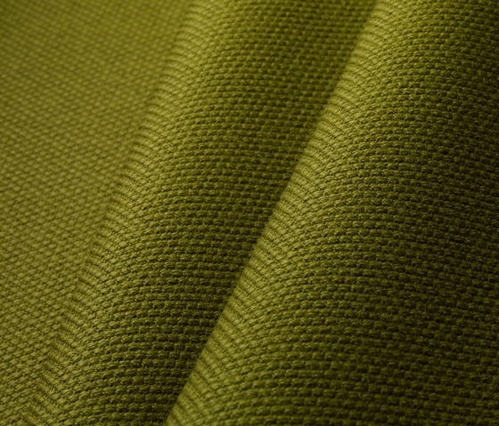 Steelcut 2 110 by Kvadrat