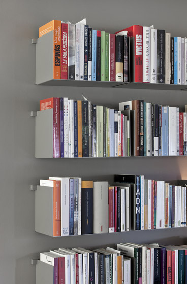 Noa | Shelf by Santa & Cole