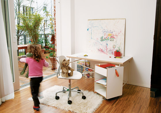 Eiermann children's desk de Richard Lampert