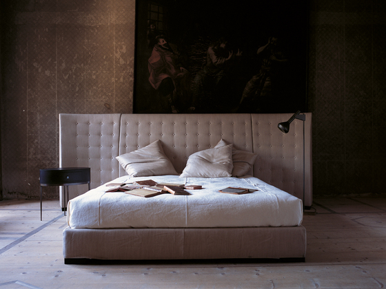 Caress Bed By Flexform Mood Product