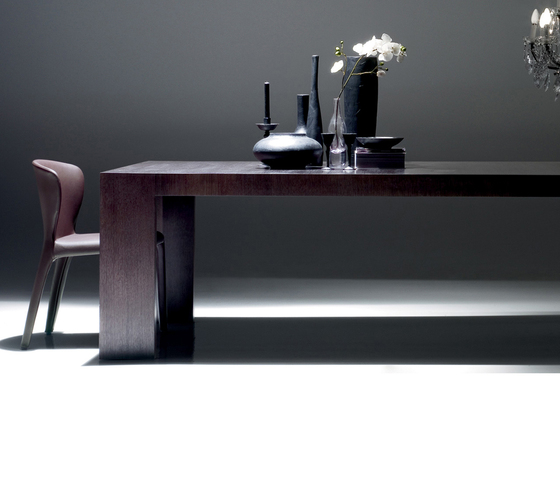 370 El Dom by Cassina