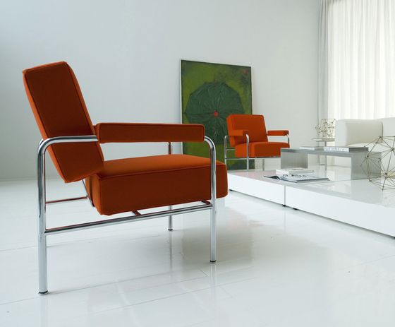 Lc13 wagon fumoir di cassina prodotto for Poltrone le corbusier
