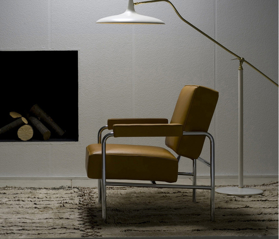 LC13 Wagon Fumoir by Cassina