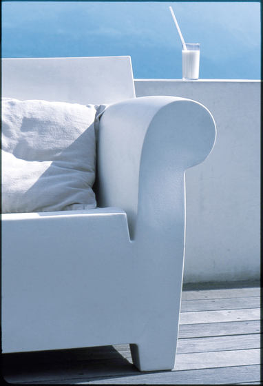bubble club garden armchairs from kartell architonic. Black Bedroom Furniture Sets. Home Design Ideas