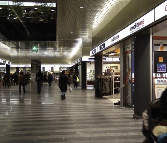 Shopfronten System de BURRI