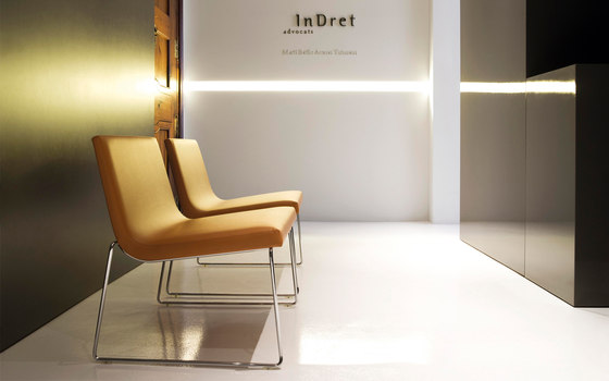 Lineal Comfort BU 0597 by Andreu World