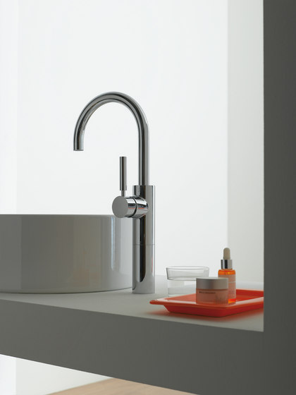 Tara. Logic - Towel bar by Dornbracht