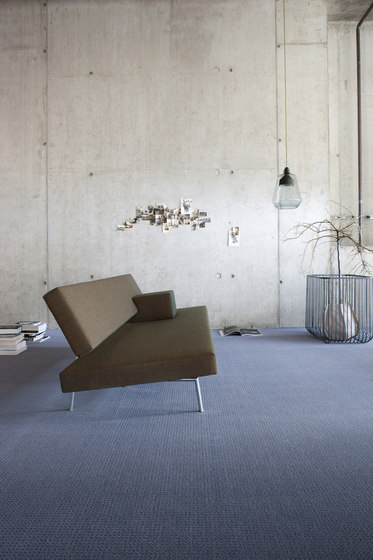 Squadra 1062 by OBJECT CARPET