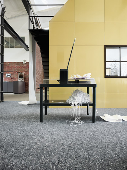 Galaxy 0745 Graphit by OBJECT CARPET