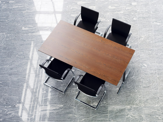Mehes conference table by Ahrend