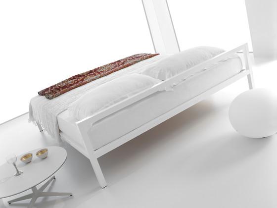 Aluminium Bed Laccato by MDF Italia
