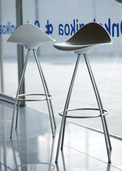 Onda bar stools by stua architonic - Onda counter stool ...