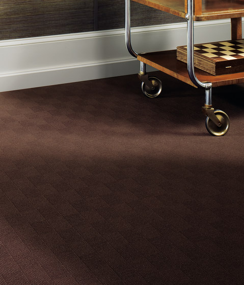 Sqr Basic Square Steel by Carpet Concept