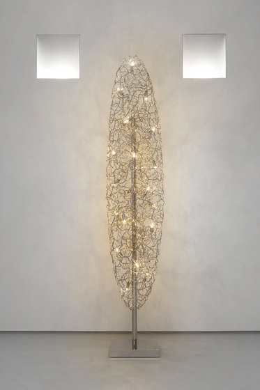 Crystal Waters floor lamp von Brand van Egmond