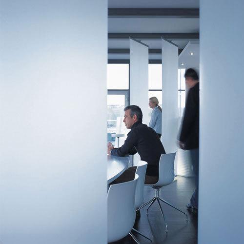 Profil 33 open-plan room divider di Rosso