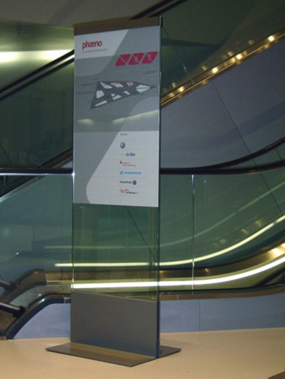 transparenz Steles indoor by Meng Informationstechnik