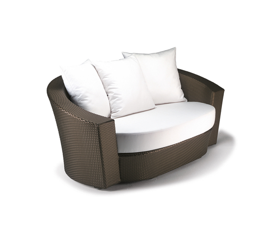 Hemisphere 2 seater by DEDON