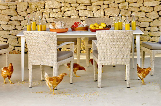 Panama Dining table by DEDON