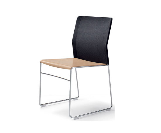 outline chair di Wiesner-Hager
