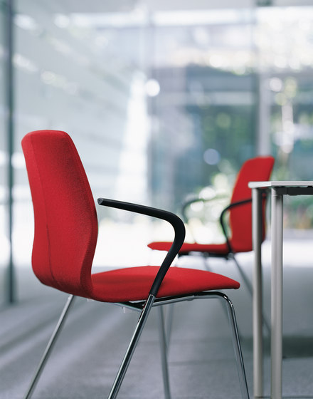 Mezzo | Chair by Bene