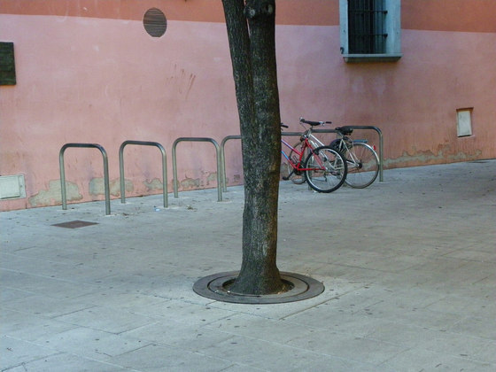 Carmel | Tree Grate by Escofet 1886