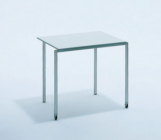 Mobile_Com | Table by Bene