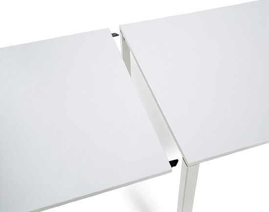 M_Com | Table by Bene