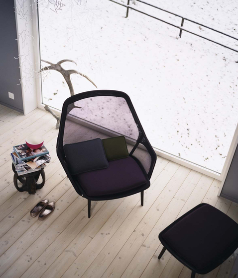 Slow Chair & Ottoman di Vitra