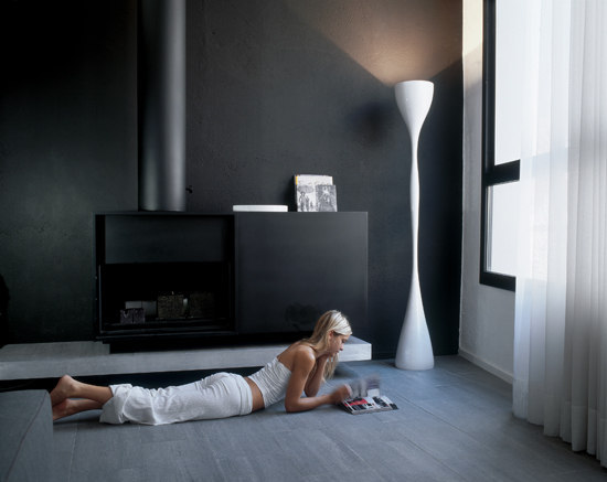 Jazz 1330 floor lamp by Vibia